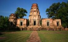 brick sculptures of PrasatKravan