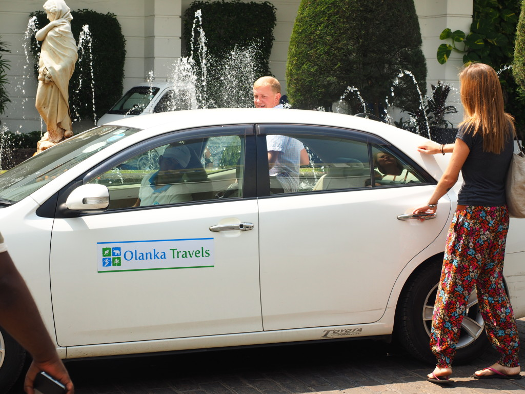 hiring-a-private-car-with-a-driver - Olanka travels